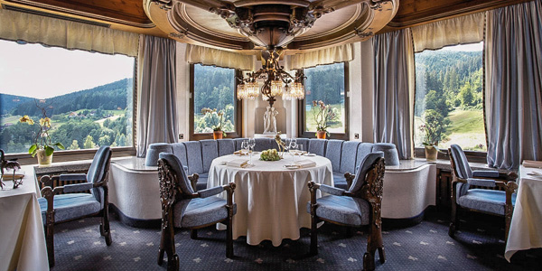 A dinign room in the Restaurant Schwarzwaldstube, Hotel Traube Tonbach, Baiersbronn