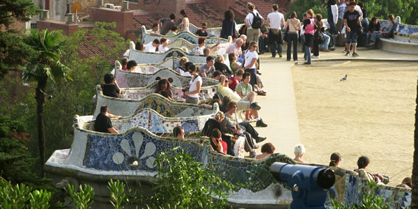 The curvy bench on the main square of Park Güell, Barcelona